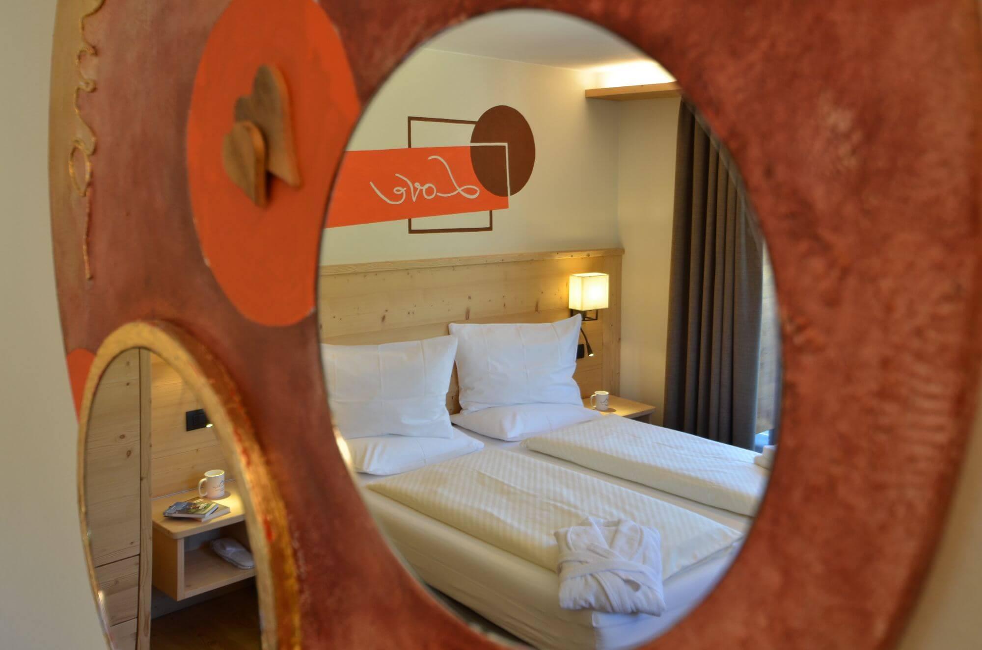 Specchio nella Junior Suite: Hotel Le Alpi a Livigno