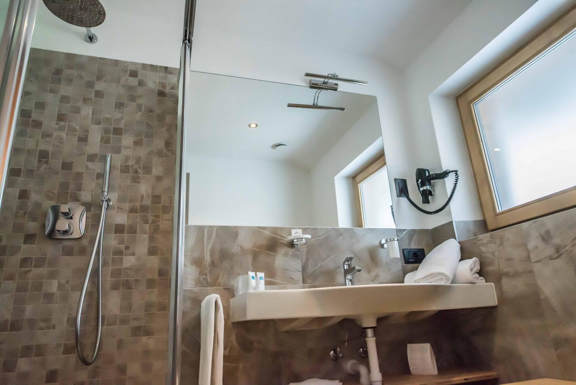 Dettaglio del bagno: Camera Economy a Livigno