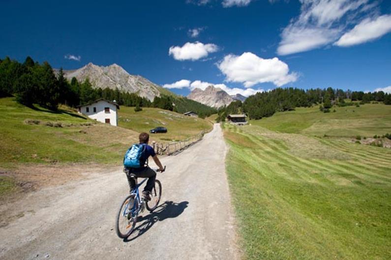 Prenota una vacanza a Livigno per ottenere il bikepass gratuito.