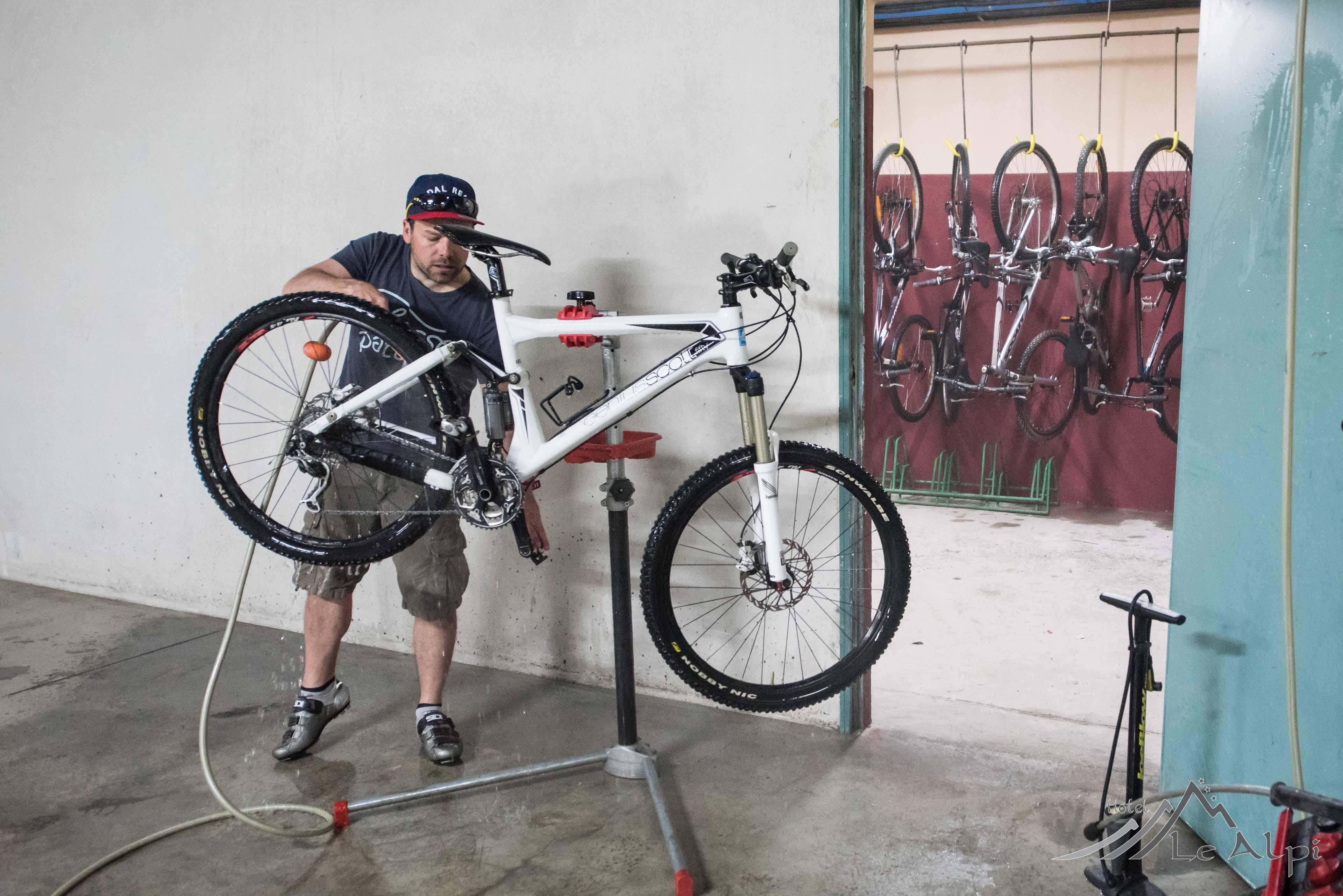 deposito biciclette